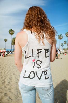 スーザン・バーネット 「Life is Love」2014年© Susan Barnett