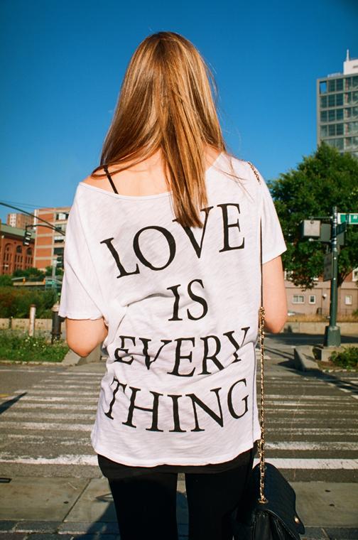 スーザン・バーネット 「Love Is Everything」2014年© Susan Barnett